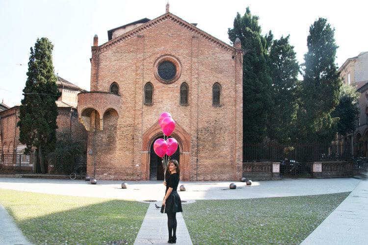 Valeria Moschet_ Piazza Santo Stefano Bologna