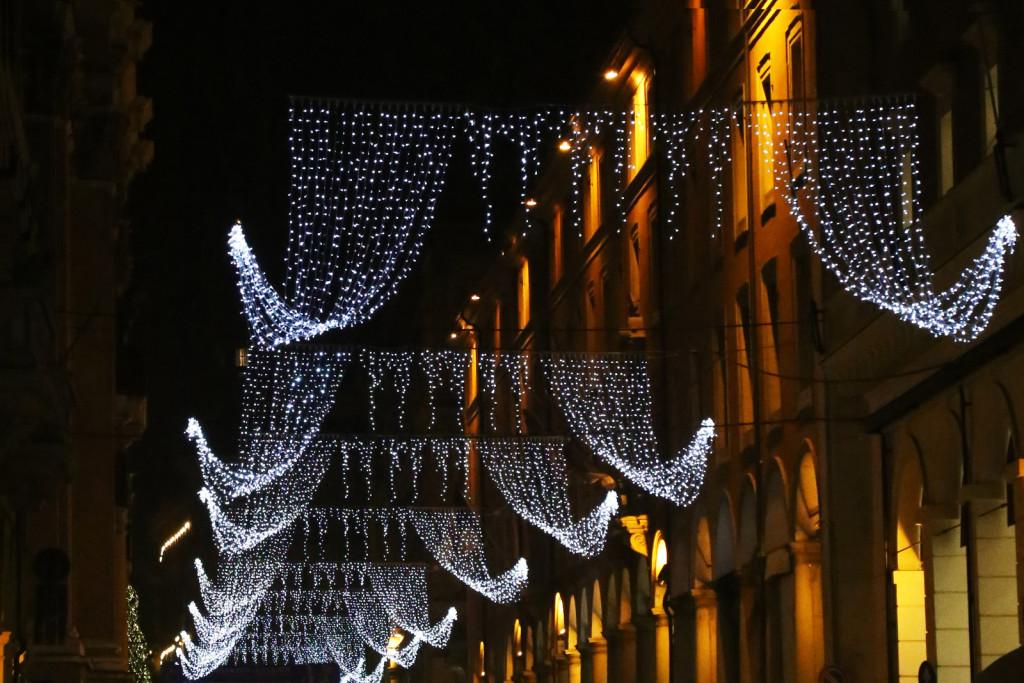 Via Indipendenza Natale luminarie 2015