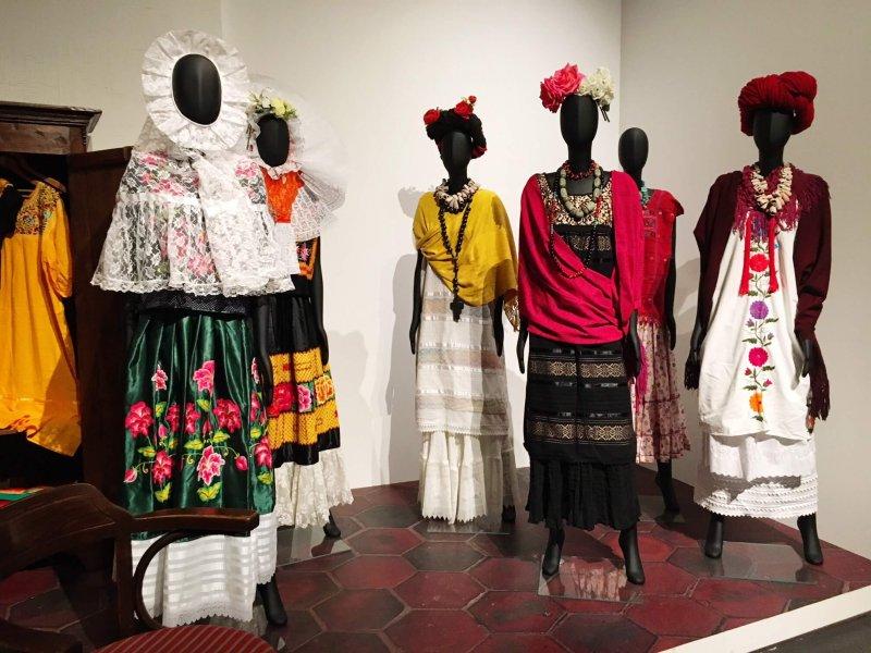 Abiti Frida Kahlo mostra bologna