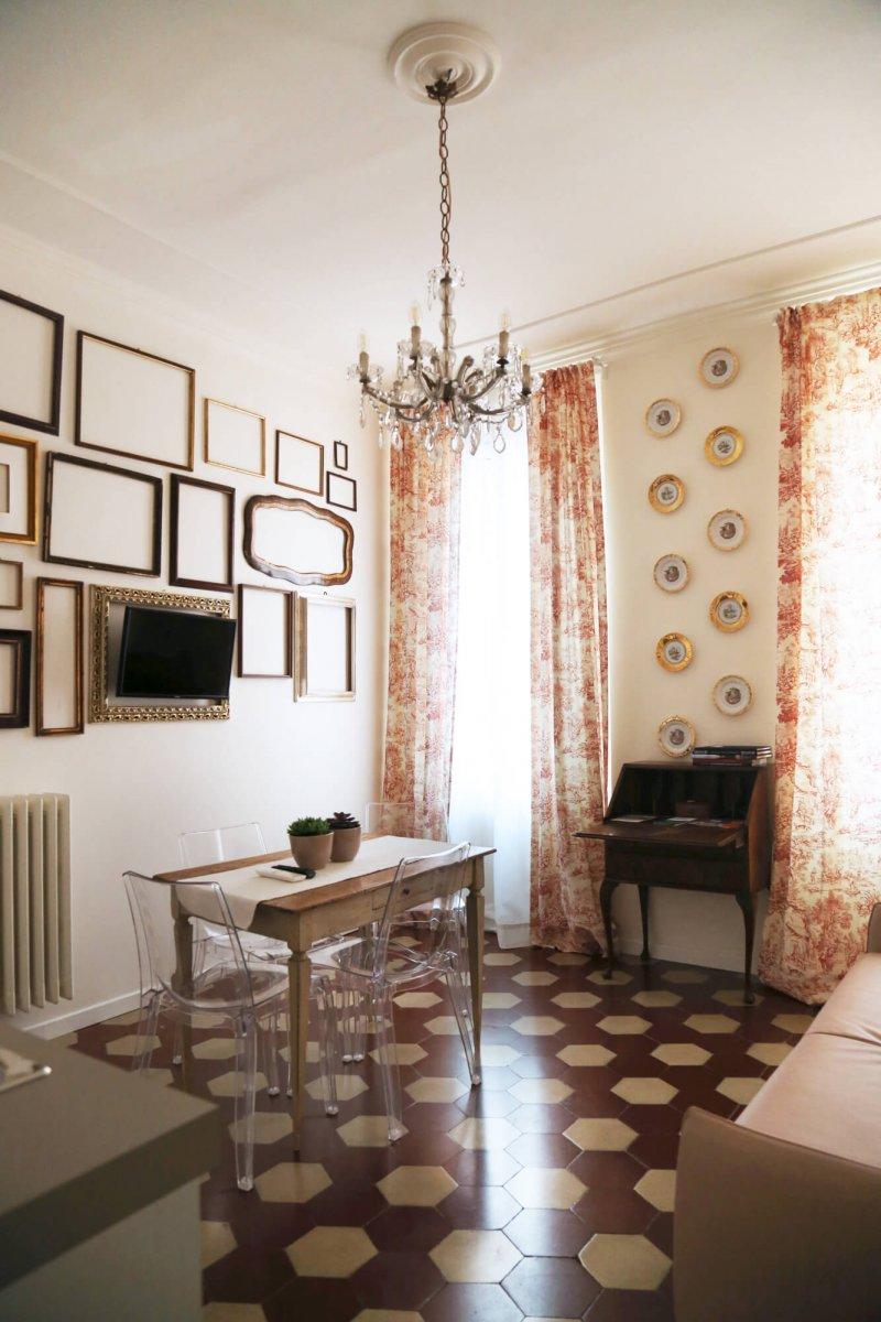 L 39 8 boutique adorable vintage chic apartments in bologna for Boutique bologna